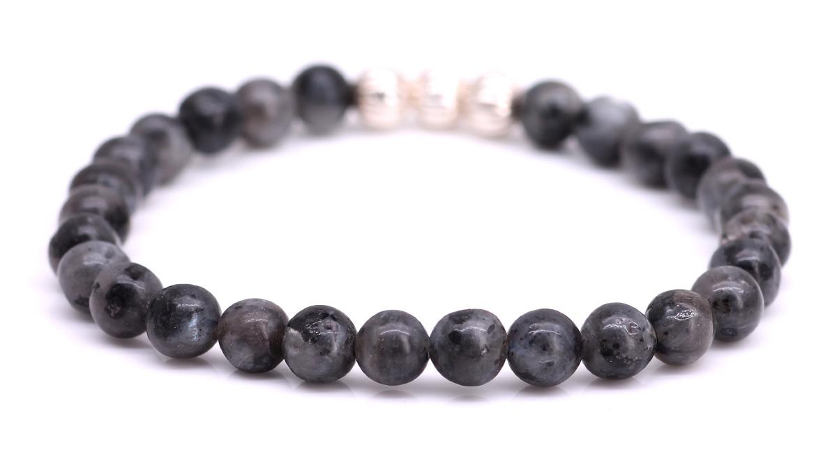 Minimal Grey Labradorite bracelet Product image back
