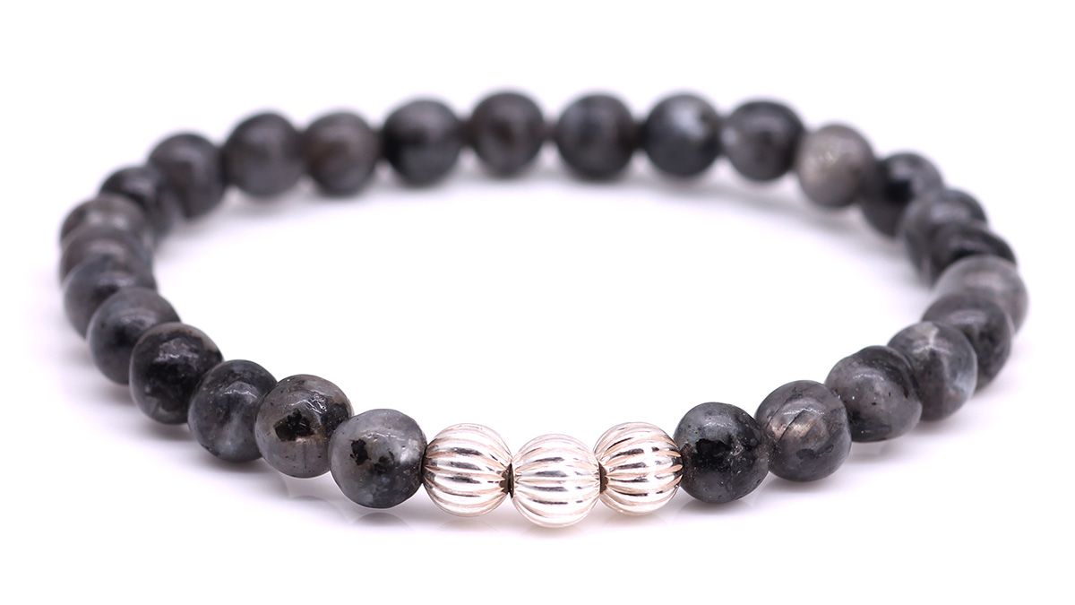 Minimal Grey Labradorite bracelet Product image front