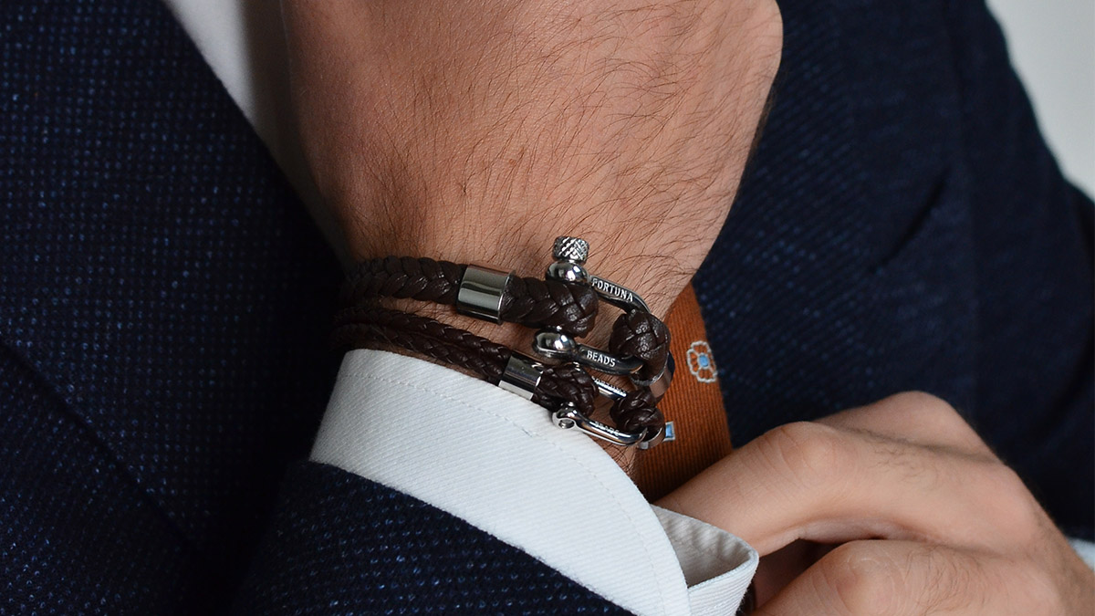 L6 Brown nautical bracelets Setting 1